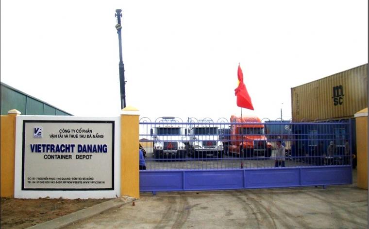 Đội xe Vietfracht-Bãi container